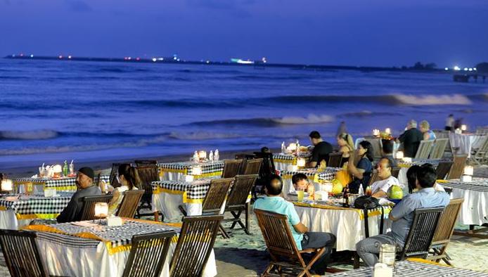Pesona Pantai Jimbaran Bali